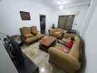 شقة طابق ٢ عمر البناء ١٠ سنوات..٣ غرف نوم و٣ حمامات ومطبخ وصالون وغرف ضيوف وبلكونة