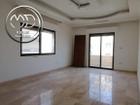 شقة طابق اخير مع روف للبيع الجاردنز مساحة 120م مع روف 50م بسعر مناسب