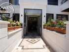 شقة شبه ارضي جديدة للبيع الامير راشد مساحة 210م مع ترس وحديقة 120م تشطيبات فاخرة