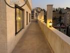 شقة للبيع في عبدون طابق ثالث مع روف دوبلكس 310م تشطيب سوبر ديلوكس بسعر مميز واطلالة جميلة