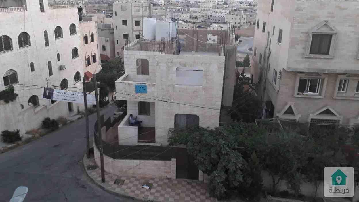 اول مدخل المستنده الغربيه خلف المركز الصحي بعد صيدلية الاقحوان