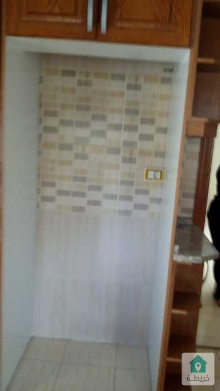 شقة طابقية مع رووف للبيع في طبربور اسكان الجيش ضمن بيت مستقل