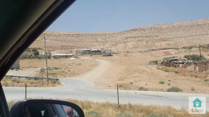 ارض استثماريه في منطقه حيويه ومميزه من اراضي شرق عمان