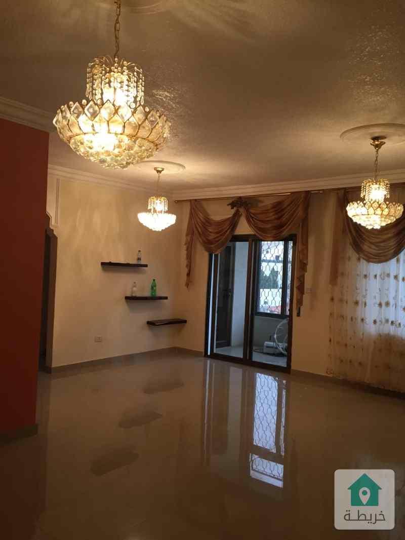 شقة مع روف للبيع خلف البوابة الشمالية للجامعة الاردنية