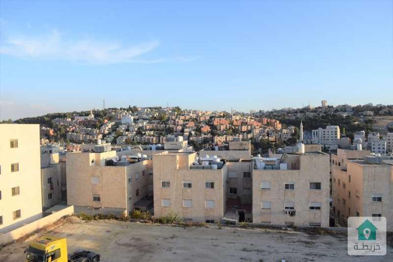 شقة مطلة وفاخرة للبيع في ابو نصير وبسعر مغري