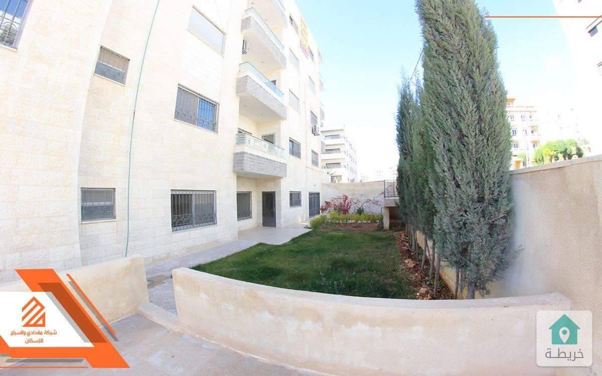 شقة مميزه 200م داخلي مع حديقة 150م البنيات قرب  جامعة البترا  قريبة من جميع  الخدمات