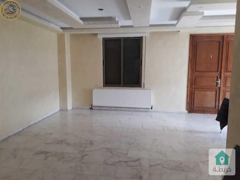 شقة ارضية مميزة للبيع في خلدا 210م مع ترس 40م بسعر 105000