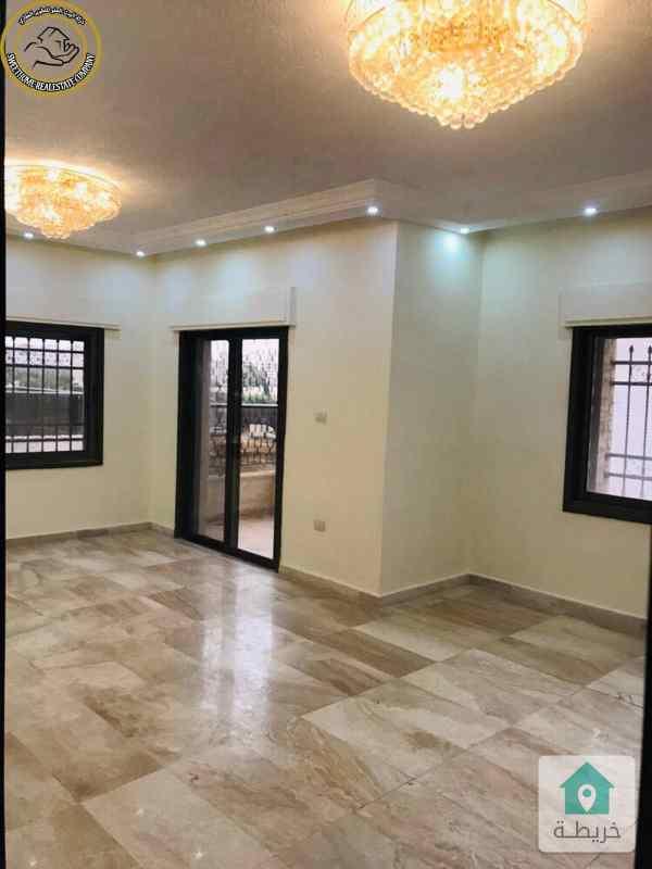 شقة مميزة للبيع بالقرب من الهوليدي ان طابق ثاني 150م بسعر 90000