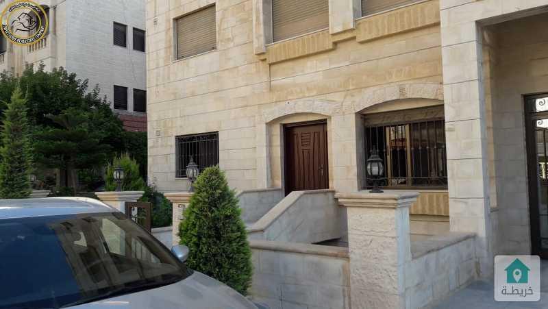شقة ارضية مميزة للبيع في ام السماق 165م مع ترس بسعر 110000.