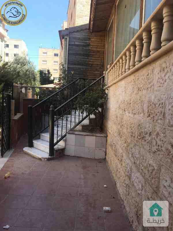 شقة ارضية مميزة للبيع في تلاع العلي 185م مع حديقة وترسات 120م