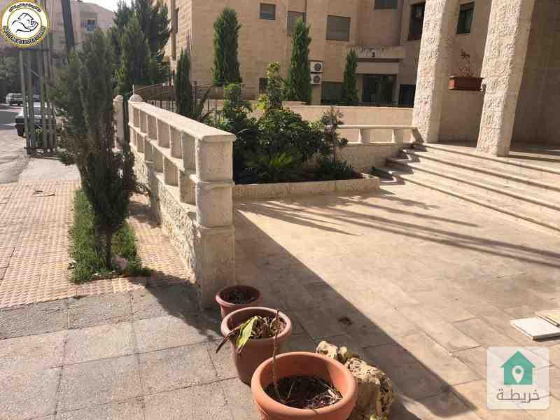 شقة ارضية مميزة للبيع في السابع 190م مع حديقة وترسات 120م