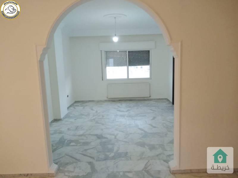 شقة مميزة للبيع في تلاع العلي طابق ثالث 165م بسعر 75000