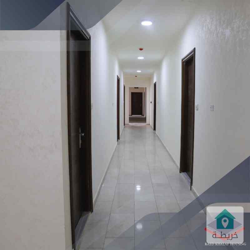مكتب مساحة 141م للبيع في منطقة السابع شركة رائد خلف للاسكان