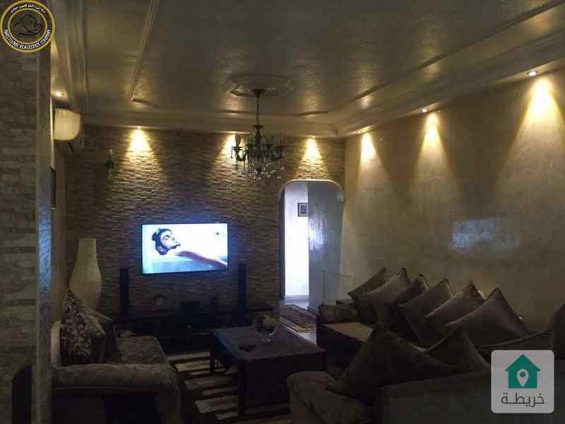 شقة مميزة للبيع في الجاردنز طابق ثالث 170م بسعر 90000.