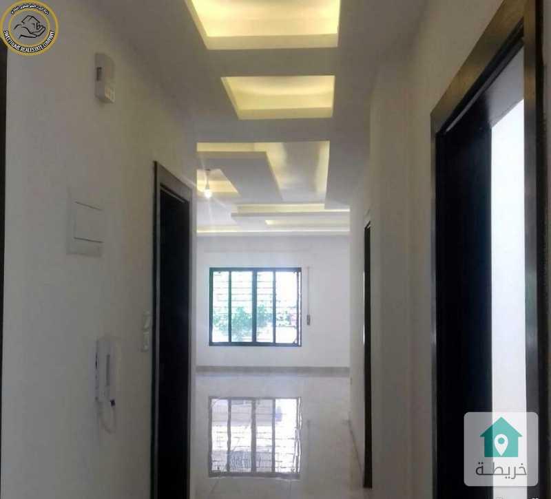 شقة مميزة للبيع في الجاردنز طابق اول 140م بسعر 84000 لم تسكن.