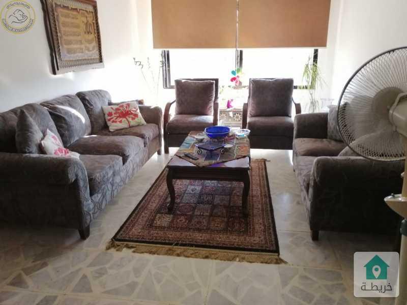 شقة مميزة للبيع في الامير راشد طابق ثالث 125م بسعر 68000.