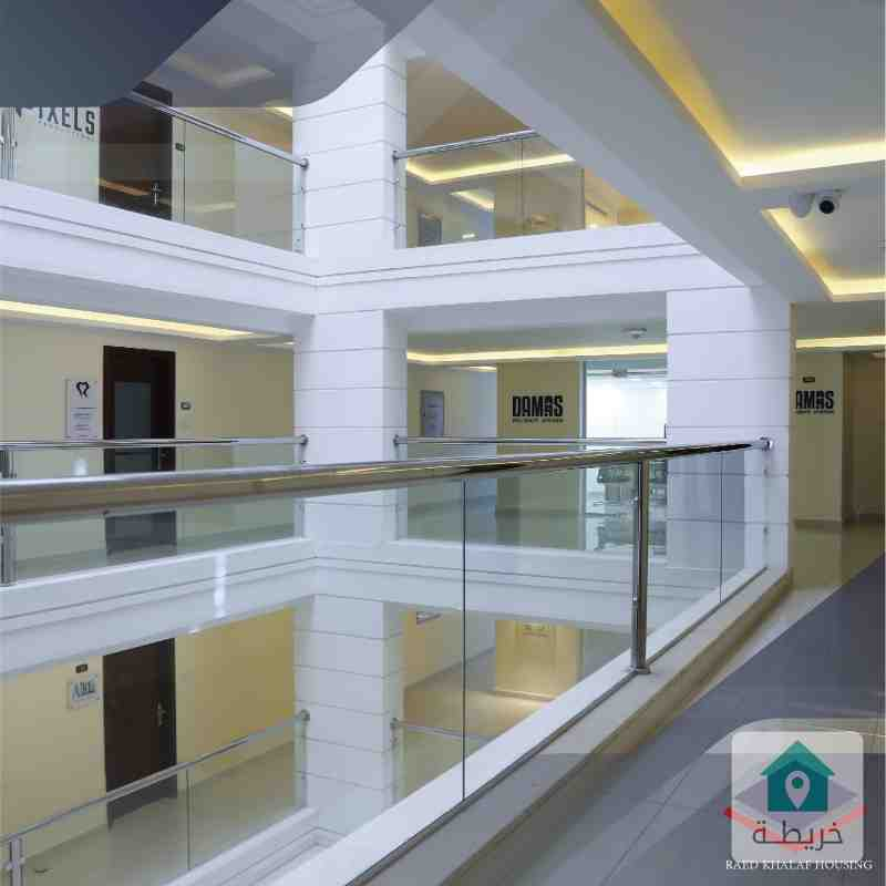 محل تجاري للايجار شارع عبدلله غوشه 41م شركة رائد خلف للاسكان