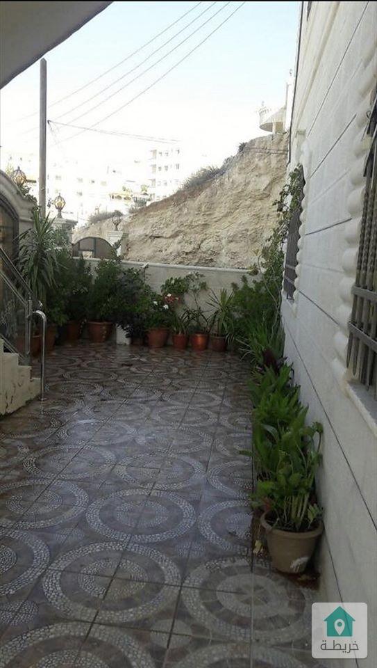 عماره للبيع 5 طوابق وروف ذات اطلاله رائعه ومنطقه هادئه في ابو علندا