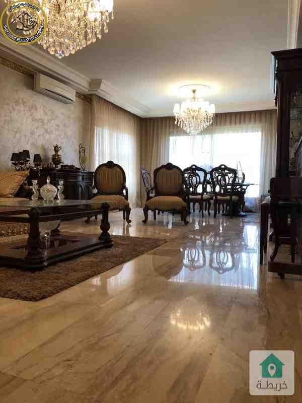 شقة فاخرة للبيع في خلدا قرب الهمشري طابق ثاني 210م بسعر 165000.