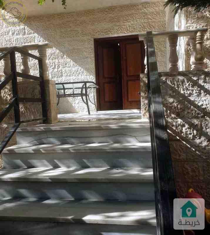 شقة ارضية مميزة للبيع في الجندويل 140م مع حديقة وترس 70م.