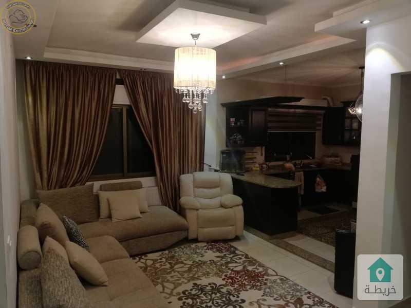 شقة ارضية للبيع في خلدا 150م مع ترسات 80م بسعر 115000.