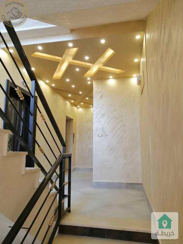 شقة مميزة للبيع في دير غبار طابق اول 150م لم تسكن بسعر 115000