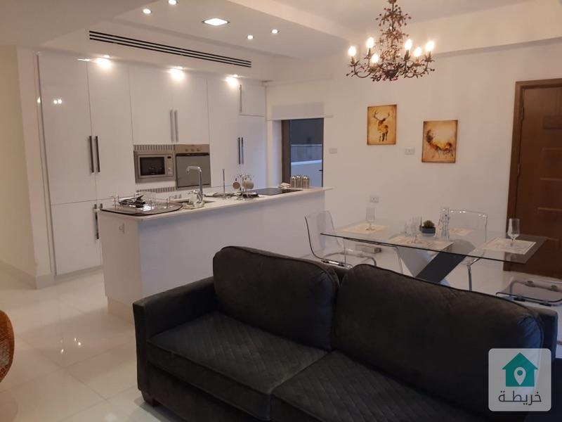 شقة أرضية للبيع في عبدون