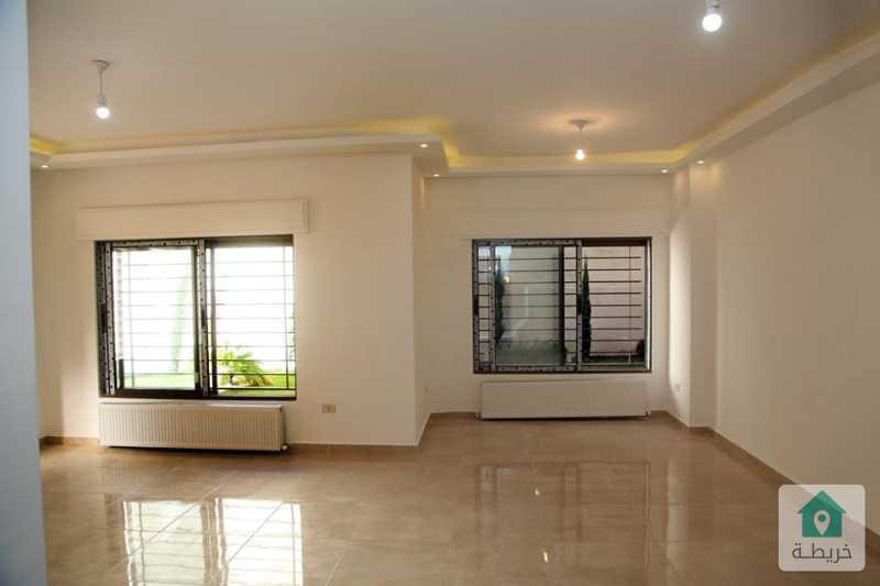 شقة شبه ارضية فاخرة في الجاردنز بمساحة 210 متر من المالك مباشرة