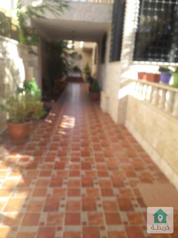 شقة أرضية للبيع بشارع مكة خلف البرجر كينج