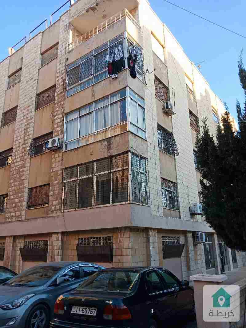 شقة ارضية للبيع في الدوار السابع شارع عبد الله غوشة مع الاثاث في منطقة حيوية