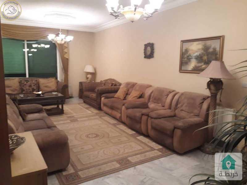 شقة مفروشة مميزة للبيع بالقرب من مطعم وردطابق ثاني 160م بسعر85000.