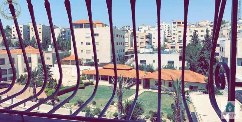 شقة مميزة للبيع في خلدا خلف بردايس طابق ثالث 185م بسعر 110000.