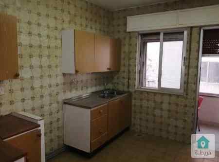 شقة للايجار بعبدون موقع ممير بسعر مميز