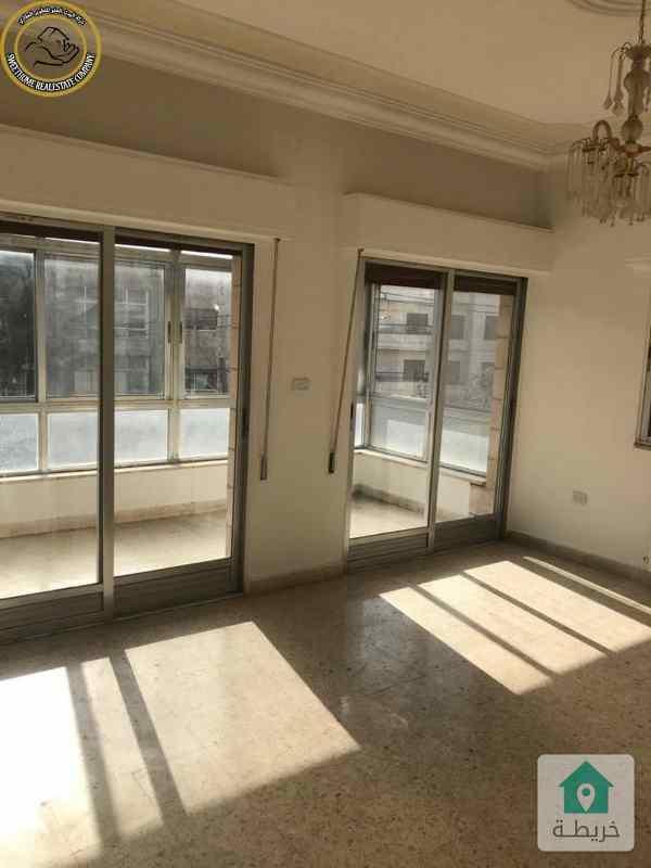 شقة مميزة للبيع في الجاردنز طابق ثاني 176م بسعر مغري 63000.