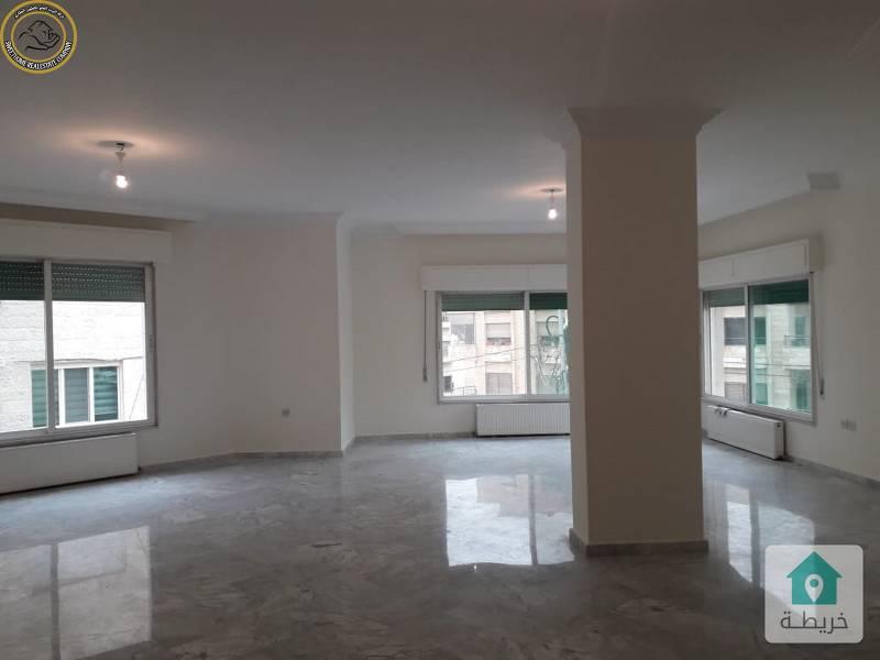 شقة مميزة للبيع في ام السماق طابق ثاني 190م بسعر مغري 87000.
