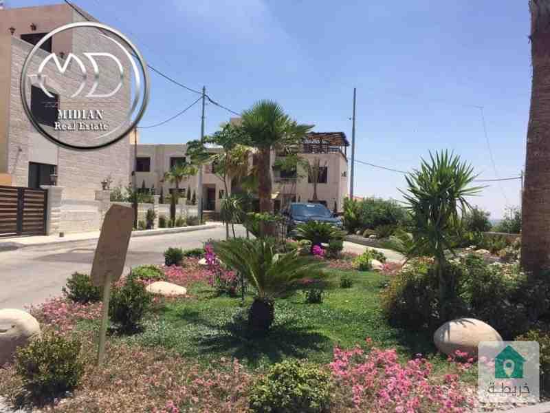 فلل متلاصقه للبيع ابو السوس مساحه 350م تشطيب سوبر ديلوكس مع حديقه وامكانية التقسيط .