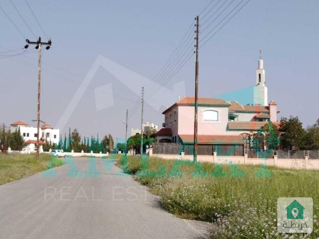 أرض مميزة على طريق المطار منطقة الطنيب