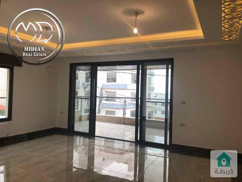 شقة دوبلكس اخير مع روف جديدة للبيع - خلدا مقابل المعارف مساحه 270م - تشطيب سوبرديلوكس .