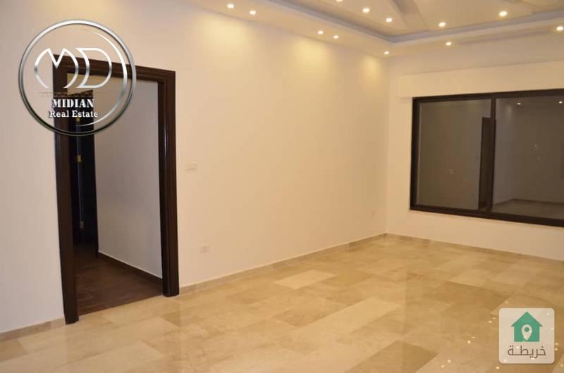 شقة شبة ارضي جديدة للبيع - ديرغبار - مساحة 200م مع حديقة 200م - تشطيب سوبرديلوكس .