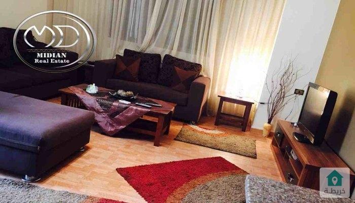 شقة اخير مع روف - مفروشة للايجار مساحه 250م - تشطيب سوبرديلوكس - اطلالة رائعة .
