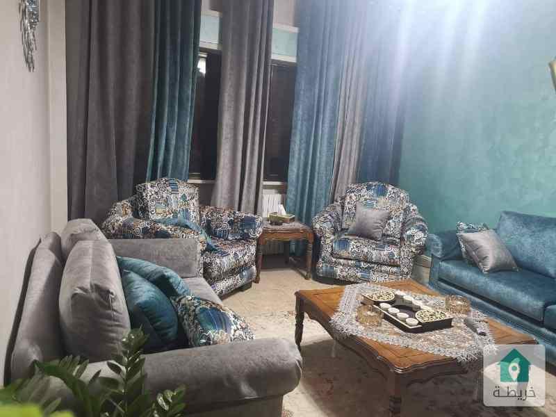 شقة للبيع بمنطقة أم السماق خلف بلدية أم السماق