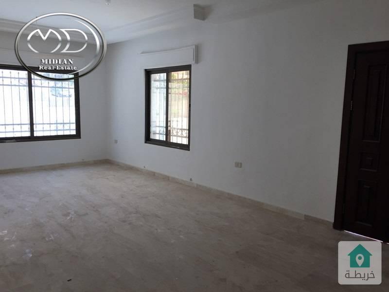 شقة ارضية فارغة للايجار - خلدا قرب اكاديمية عمان - مساحة 220م - مع ترس 50م .