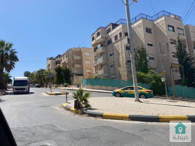 شقة للبيع  عمان - الرابية اخير مع روف