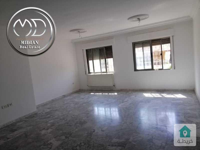 شقة للبيع - ام السماق قرب مدارس الجزيرة - مساحة 125م - طابق اول بسعر مميز .