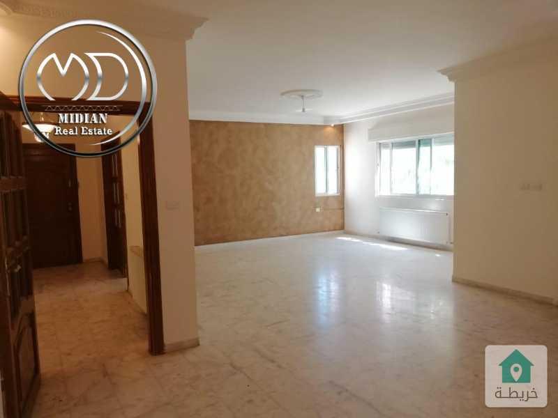 شقة طابقية ارضية فارغة للايجار - أم السماق قرب دوار التلاوي - مساحة 300م - مع ترس 80م .