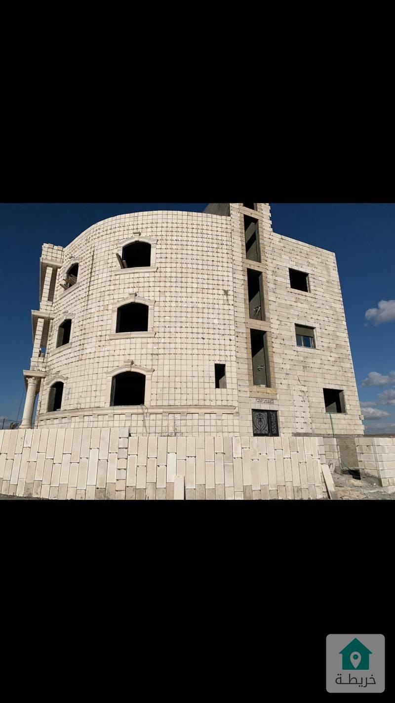 عمارة للبيع تصلح لسكن طالبات قريبة من جامعه