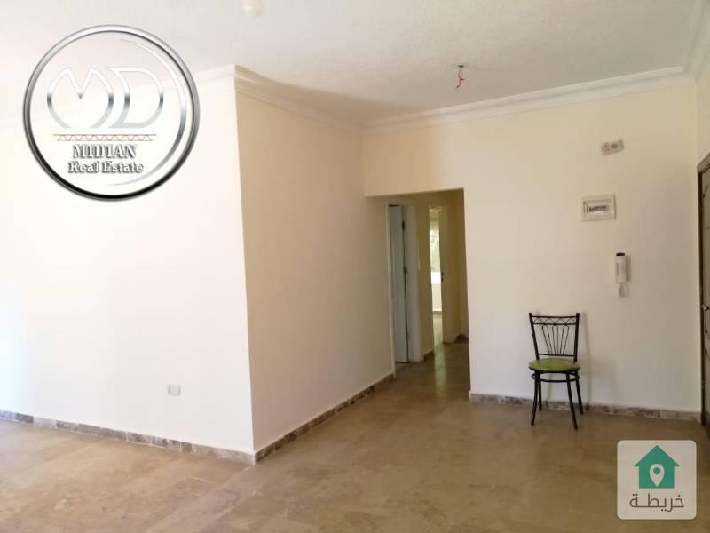 شقة فارغة للايجار- ام السماق قرب الدر المنثور - مساحة 100م طابق اول - بسعر مميز .