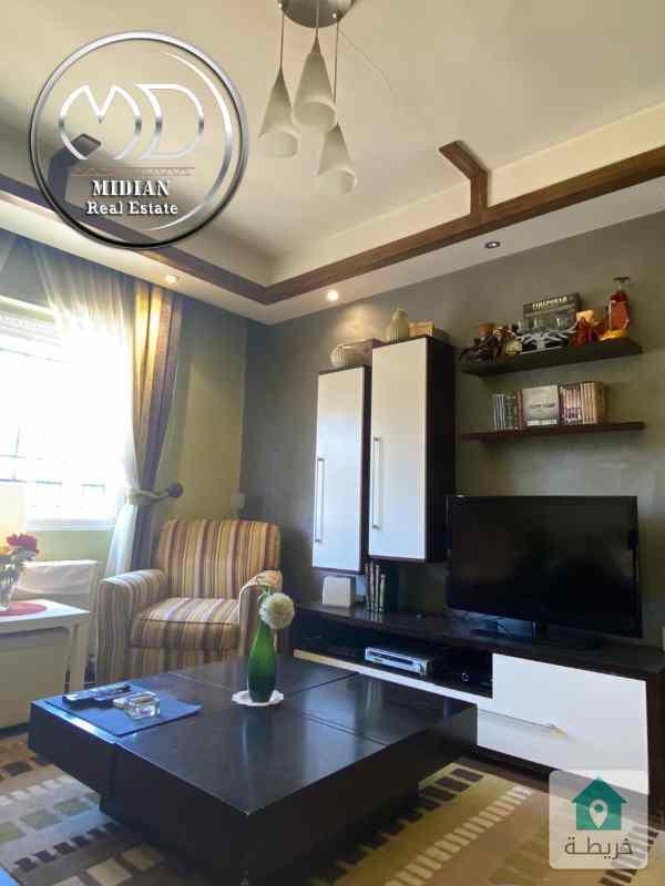 شقة للبيع - الموفنبيك قرب دوار ورد مساحة 125م - طابق ثالث - ديكورات فاخره وبسعر مميز .