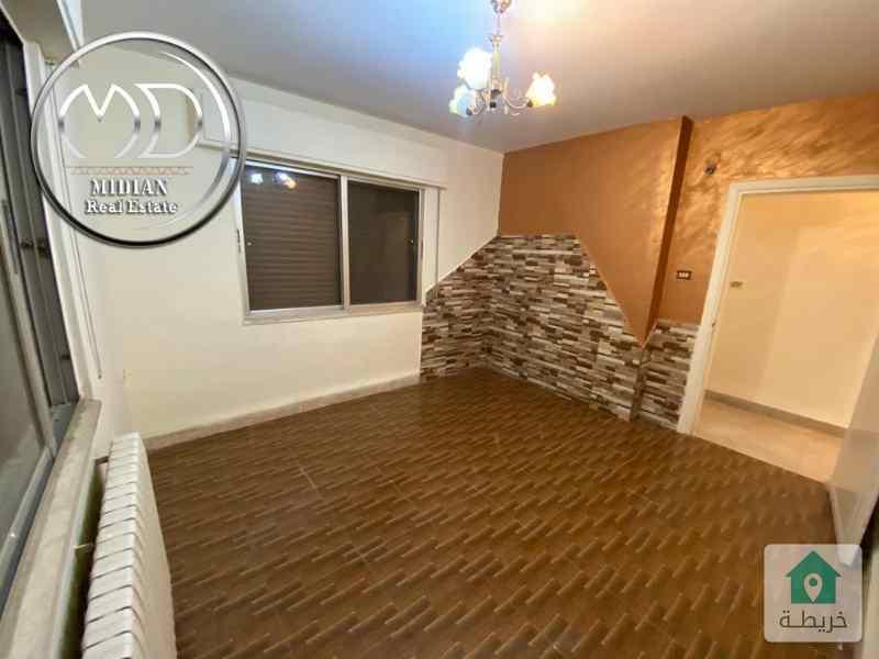 شقة للبيع - خلدا قرب البنك العربي مساحة 130م طابق اول - تشطيب سوبرديلوكس - بسعر مميز .