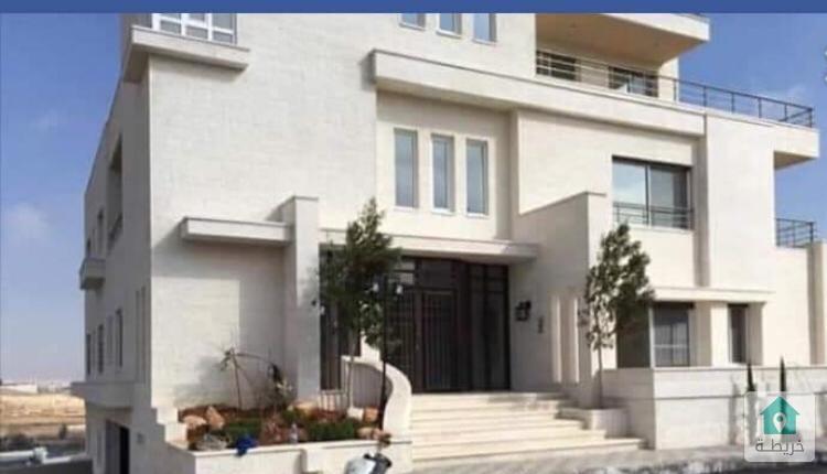عماره سكنيه للبيع خلف المدارس العالميه شارع المطار